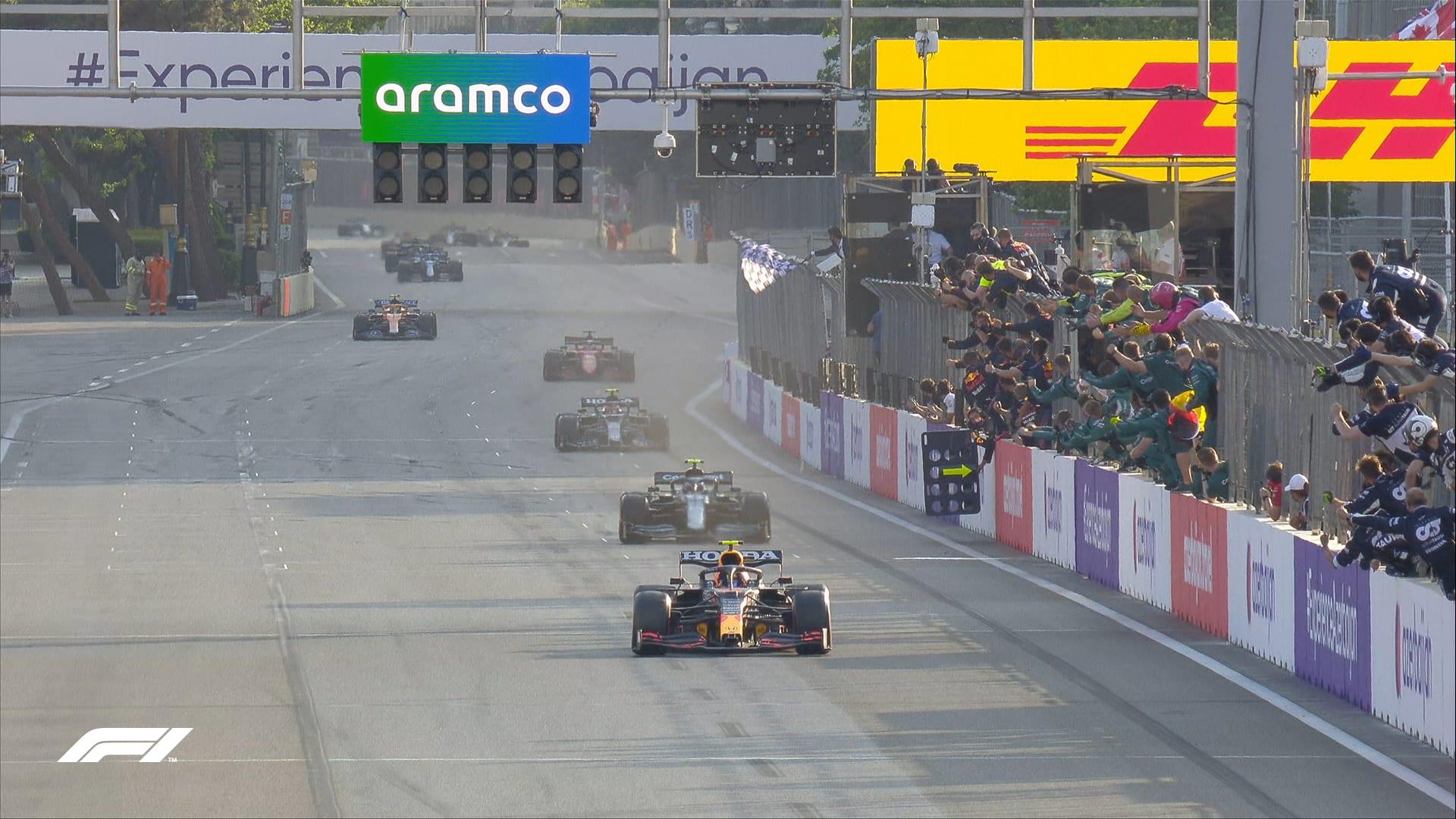 GP Baku: Νικητής ο Perez μετά από έναν χαοτικό αγώνα!